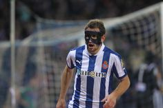 Stuani wearing a mask during a football game. #rcdespanyol #spain #football