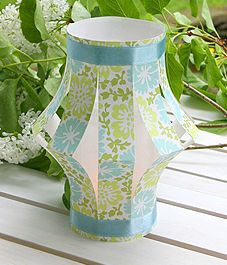 DIY Paper Lanterns for a garden party. I used to make these all the time when I was a kid: I can't believe I forgot!