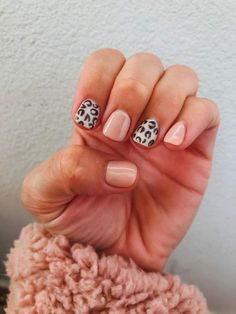 Fall Nails Summary: Sweet Manicure Ideas For This Season - Mint Arro . - Fall Nails Summary: Sweet Manicure Ideas For This Season – Mint Arrow – Fall Nails Roundup: Swe - Cute Gel Nails, Pink Nails, Pink Leopard Nails, Short Nail Manicure, Fall Manicure, Nail Nail, Stylish Nails, Trendy Nails, Stars Nails