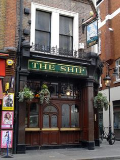 The Ship, Wardour Street, London British Pub, British Country, Great British, London Pubs, Old London, Mall Of America, North America, London Look, Tents