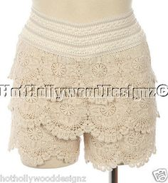Trendy Ivory Tiered Ruffled Scalloped Trim Lace Crochet Boho Mini Shorts XS/S  Sale $25.00
