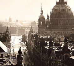 Über den Dächern am Berliner Dom. Berlin, um 1910. o.p.