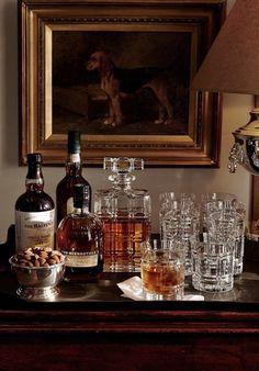 Home Bar Decor, Bar Cart Decor, Kitchen Decor, Mini Bars, Bar Sala, Bar Tray, Diy Vintage, Gold Bar Cart, Cafe Restaurant