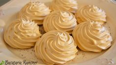 Macarons, Food Cakes, Meringue, Relleno, Scones, Icing, Cake Recipes, Peanut Butter, Food And Drink