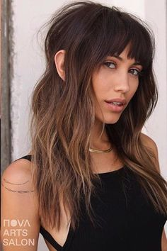 19 Hottest Dark Brown Hair Colors to Inspire You in 2019 - Style My Hairs Dark Brown Hair With Blonde Highlights, Dark Purple Hair Color, Brown Hair Colors, Hair Highlights, Warm Hair Colors, Fun Hair Color, Hair Color Balayage, Blonde Balayage, Caramel Balayage