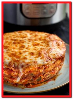 Instant Pot Recipes & pressure cooker recipes that are easy to make and taste delicious! From Instant Pot soups to Instant Pot pasta, Instant Pot desserts. Slow Cooker Sausage Recipes, Slow Cooker Meal Prep, Instant Pot Lasagna Recipe, Instant Pot Dinner Recipes, Sauce Pizza, Slow Cooker Huhn, Easy Meals, Slow Cooker, Foodies
