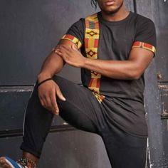 Tee-shirt  noir homme à imprimé wax Plusieurs modèles disponibles sur la plateforme Gym Men, T Shirt, Couture, Tees, Mens Tops, Fashion, Platform, Men Wear, Black People