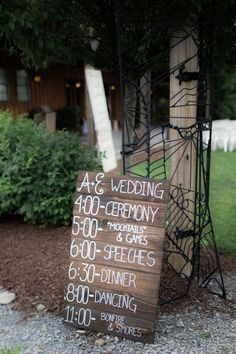 Outdoor Vintage Rustic Wedding sign ideas / http://www.deerpearlflowers.com/30-rustic-wedding-signs-ideas-for-weddings/