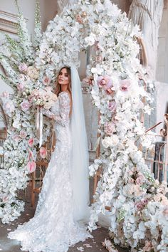 Top 10 Luxury Wedding Venues to Hold a 5 Star Wedding - Love It All Luxury Wedding Venues, Luxury Wedding Dress, Princess Wedding Dresses, Bridal Dresses, Destination Wedding, Star Wedding, Wedding Pics, Wedding Day, Wedding Images