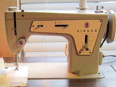 Singer Fashion Mate 237.   Made in Italy, manual dated 1968.