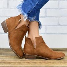 Women Plus Size Chunky Heel Booties Zipper Combat Boots – meetfun Boots For Short Women, Short Boots, Boots Women, Thick Heels, Low Heels, High Heel, Mid Calf Boots, Knee High Boots, Fashion Boots
