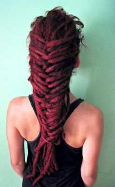 Dreadlock fishtail braid (: Can't wait until I can do this :D