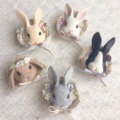 Felt Diy, Felt Crafts, Easter Crafts, Needle Felted Animals, Felt Animals, Wet Felting, Needle Felting, Felt Bunny, Cute Stuffed Animals