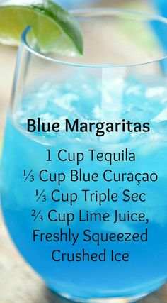 Margaritas Blue Margaritas ~ Incredibly refreshing and SO easy.They only require 4 ingredients, and no blender/cocktail shaker!Blue Margaritas ~ Incredibly refreshing and SO easy.They only require 4 ingredients, and no blender/cocktail shaker! Blue Margarita, Margarita Punch, Margarita Party, Mixed Drinks Alcohol, Alcohol Drink Recipes, Summer Drink Recipes, Alcholic Drinks, Non Alcoholic Drinks, Liquor Drinks