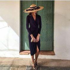 Y os doy las #buenasnoches y os deseo un feliz #halloween con esta sofisticada #invitadaperfecta con look de @zara (old) y #pamela #vintage ❤️. #invitada #invitadas #invitadasconestilo #invitadaboda #invitadasbodas #lookbodas #lookinvitadas #invitadasespeciales #invitadasdeboda #boda #bodas #wedding #weddingguest #guest #style #fashion #moda #tocado #tocados #pamela #pamelas #headpiece #headdress #invitadasperfectas