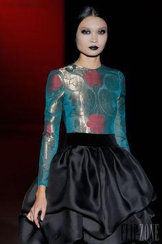 Hannibal Laguna - Ready-to-Wear - Fall-winter 2013-2014 - http://en.flip-zone.com/fashion/ready-to-wear/independant-designers/hannibal-laguna