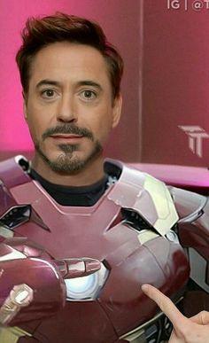 Tony Stark looking sweet Michael Cimino, Tony Stank, Robert Downey Jr., Anthony Edwards, I Robert, Cinema, Iron Man Tony Stark, Downey Junior, Marvel Movies