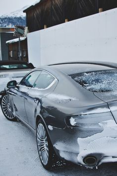 The Aston Martin Rapide is a high-performance sports saloon has been in the market since With a top-speed this four-door tourer is amazing. Aston Martin Rapide, Aston Martin Vanquish, Automobile Companies, Automobile Industry, Style Blog, Snow Fun, Love Car, Amazing Cars, Luxury Life