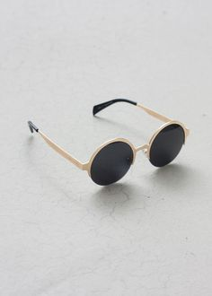 Image of Round Metal Sunglasses - 3 Colors