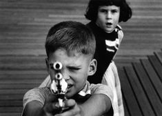William Klein :: Gun n.3, NYC, 1954 / more [+] by this photographer related posts by W. Klein here and here