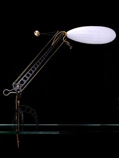 A complete view of this table led lamp.