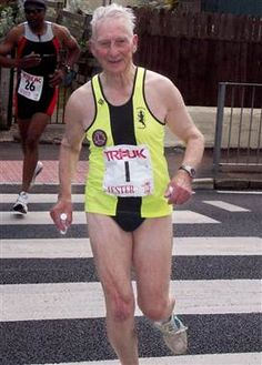 Olympic torchbearer completes triathlon at age 91 - TODAY in London (Caters News Agency) Men Over 50, Creative Arts Therapy, Grow Old With Me, Never Too Old, Senior Fitness, Aged To Perfection, Advanced Style, Young At Heart, Older Men