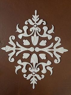 large stencil ARRAH DAMASK REPEATING RAISED PLASTER STENCIL PAINTING STENCIL
