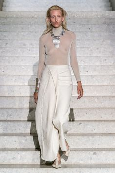Max Mara Resort 2020 collection Where fashion meets architecture. The Max Mara resort 2020 collection was held at the great Neues Museum in Be - Max Mara Resort 2020 collection Dope Fashion, Fashion Week, Fashion 2020, Runway Fashion, Fashion Show, Womens Fashion, Fashion Design, Fashion Trends, Fashion Spring
