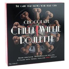 Pásalo en grande con tus amigos y esta Ruleta formada por 10 penes de chocolate: 7 de ellos rellenos de delicioso praliné y los otros 3 rellenos de chili picante que te harán sacar humo de todo el cuerpo.