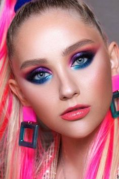 Beautiful makeup trends that are making a huge comeback nowadays are going to upgrade your makeup game drastically. 1980s Makeup And Hair, 1980 Makeup, 80s Makeup Looks, Disco Makeup, 80s Hair, Clown Makeup, Hair Makeup, 80s Eye Makeup, Contour Makeup