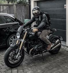You know this guy Please tag him in the comment section BMW RNinet Unknow Unknow sᴇɴᴅ ᴍᴇ ᴀ ʙᴇᴀᴜᴛɪғᴜʟ ᴘɪᴄ ᴄʟɪᴘ ᴏғ ʏᴏᴜʀ ᴏᴡɴ ᴄᴀғé ʀᴀᴄᴇʀ ᴄᴜsᴛᴏᴍ sᴄʀᴀᴍʙʟᴇʀ ᴛᴏ x. Scrambler Motorcycle, Motorcycle Style, Motorcycle Outfit, Bobber, Blitz Motorcycles, Cool Motorcycles, Custom Bmw, Custom Bikes, Nine T Bmw