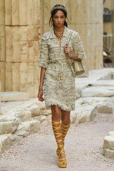 Chanel Resort 2018 Fashion Show - Yasmin Wijnaldum