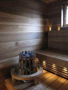 Mustavalkoisessa talossa: Esittelyssä kylpyhuone ja sauna Bathroom Inspiration, Spa, Wellness, Ideas, Home, Ad Home, Homes, Thoughts, Haus