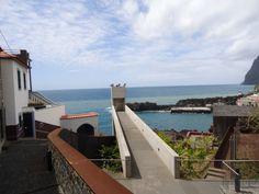Vende-se moradia em Cª Lobos, sobre o mar, ideal para investimento turístico... www.decisoesvibrantes.com