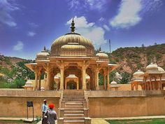 Once a cremation ground for the royals of Rajasthan, at Gatore ki Chhatriyan (Near Nahargarh Fort) you can see another marvel of Rajput architecture.   #India #RoyalsofRajasthan #GatorekiChhatriyan #NahargarhFort #Rajputarchitecture #Jaipur #travel #trip #tour #yolo #usa #UCLA