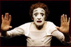 Marcel Marceau March 1923 – 22 September was an internationally acclaimed French actor and mime most famous for his persona as Bip the Clown. Dark Circus, Lets Run Away, Send In The Clowns, Clowning Around, Charlie Chaplin, Marcel, Friends Family, Famous People, Behind The Scenes