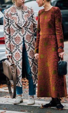>>>Pandora Jewelry OFF! >>>Visit>> Paris Fashion Week S/S 2018 Street Style (Part II) – FaShionFReaks Fashion trends Fashion designers Casual Outfits Street Styles Looks Street Style, Street Style 2017, Looks Style, Style Me, Street Chic, Paris Street, Moda Fashion, Womens Fashion, Fashion Mode