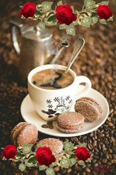 Coffee and flowers Coffee Vs Tea, Coffee Gif, Coffee Images, Fresh Coffee, Coffee Love, Coffee Quotes, Coffee Break, Good Morning Coffee, Good Morning Greetings
