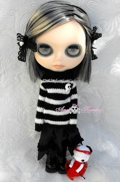 #blythe #goth Love the creepy eyes!