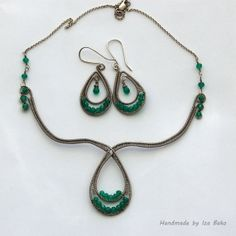 Romantic OOAK Green Onyx Collar Necklace Wire by WireFantasies, $69.00