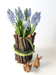 Einfache Bastelanleitung für eine Vase aus Naturmaterial