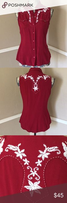 Western Cowgirl Embroidery Pearl Snap Sleeveless Collar Excellent Used Condition No Fading or Flaws #35 Roper Tops Button Down Shirts