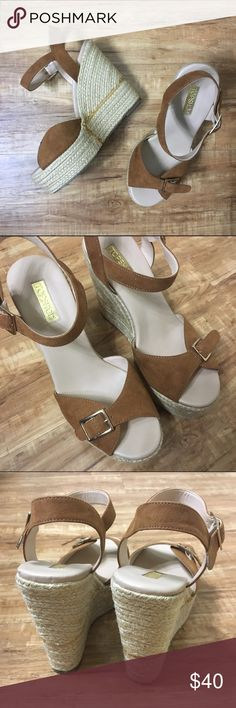 """TOPSHOP  Espadrilles Wedges SZ 8 Topshop Camel Espadrilles Wedges  Practically NEW Without Tags! Size 8 - Fits True to Size 4.25"""" Wedge/Platform Slight Wear on Bottoms No Trades Make An Offer! Topshop Shoes Wedges"""