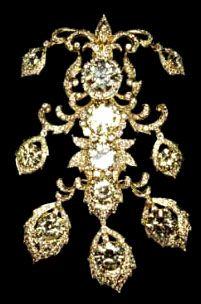 Jewels of Imelda Marcos: Roumeliotes Jewelry Collection Diamond Brooch, Diamond Jewelry, Diamond Earrings, Jewelry Box, Unique Jewelry, Celebrity Jewelry, Rare Gems, Expensive Jewelry, Rings Cool