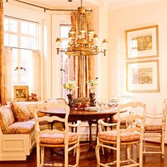 Gorgeous breakfast nook. Love it all. Charles Faudree, of course.
