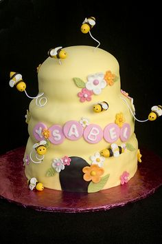 Beehive and bees cake