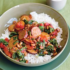 Spicy turkey sausage with black eye peas and spinach Time: 20 minutes. This one-pan dinner is a fast way to satisfy a hungry family on a chilly day. Feel free to substitute any type of sausage you prefer. Pea Recipes, Spinach Recipes, Sausage Recipes, Healthy Recipes, Dinner Recipes, Budget Recipes, Spinach Dip, Skillet Recipes, Kraft Recipes