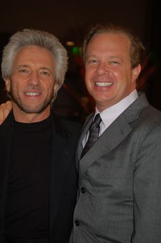 Here are amazing authors Gregg Braden and Dr. Joe Dispenza, who were chatting backstage during one of the breaks.
