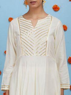 Plain Kurti Designs, Silk Kurti Designs, Kurta Designs Women, Kurti Designs Party Wear, Lehenga Designs, Stylish Dress Designs, Designs For Dresses, Stylish Dresses, Blouse Back Neck Designs
