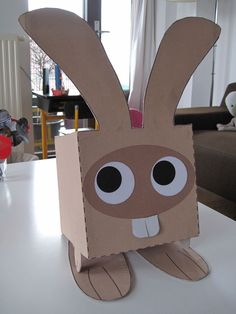 A cute rabit Diy Crafts To Do, Crafts For Kids, Arts And Crafts, Homemade Christmas Crafts, Animal Art Projects, Diy Tumblr, Cardboard Art, Valentine Box, Reborn Dolls
